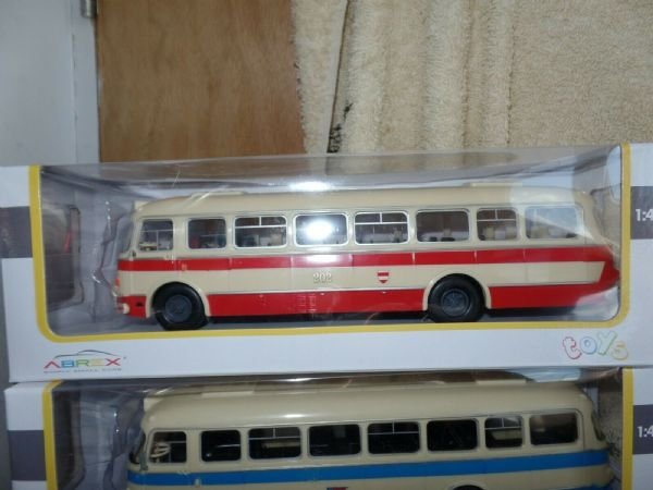 Abrex 143PB002 1/43 Skoda 706 RTO Bus RTO N 202 BRNO 1961 CREAM RED MODEL